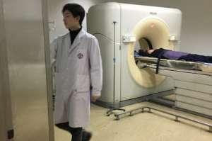 医生酷似杨洋被偷拍 网友-看个病也要看脸了么?