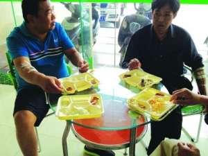 武汉一医院停电 22名透析中患者被迫血液回流