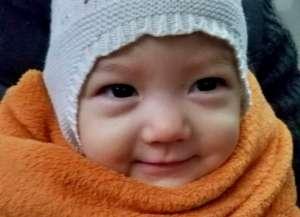 张梓琳晒女儿萌照 网友-和老妈一样是个大美人