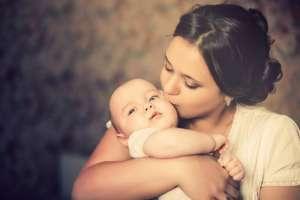 两孩出生比增加6.7%年底将出现生育高峰