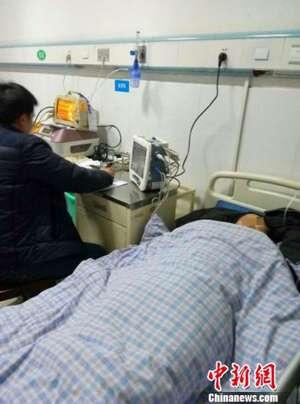 四川巴中村民办丧宴疑食物中毒撂倒30人,2人抢救无效死亡