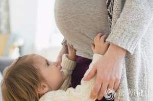 国家卫计委首评全面二孩:今年出生将超1750万,符合预判