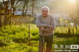 胡晓义释疑养老金增幅缩水:支出跑得比收入快
