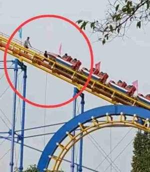 家长逼停过山车 求乘客心理阴影面积!如果是你,你怕吗?