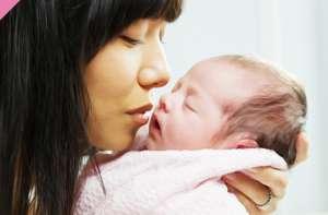 """世卫组织与准妈妈们携手促进""""第一次拥抱"""""""