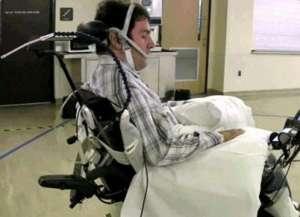 用舌头控制轮椅有望问世 将成瘫痪病人福音(图)
