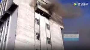 黑龙江煤矿事故 电缆着火罐笼坠落内有被困人员约20人